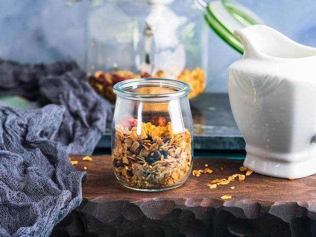 Granola fatta in casa con miele e castagne