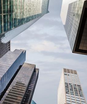 Grattacieli ed edifici a manhattan. architettura di manhattan e new york city