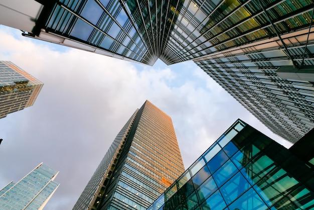 Grattacielo, lavoro e riunione dell'edificio per uffici di londra