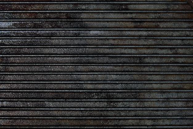 Griglia in ghisa con struttura in acciaio nero