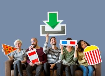 Gruppo di amici diversi e il concetto di download del film