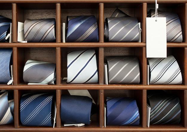 Gruppo di cravatte