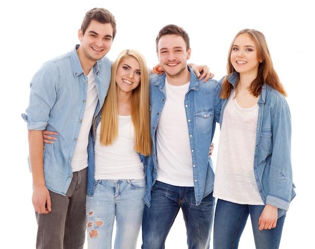 Gruppo di giovani felici