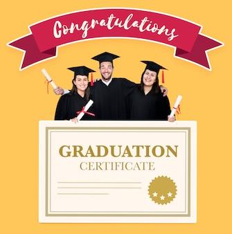 Gruppo di laureati in cap e camice con certificato di laurea