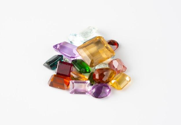 Gruppo di pietre preziose e gemme