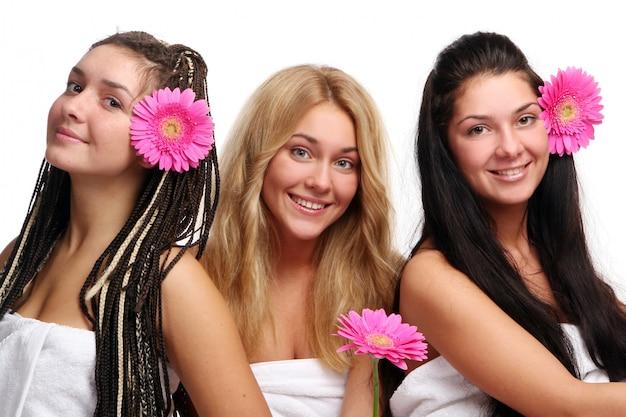 Gruppo di tre belle ragazze