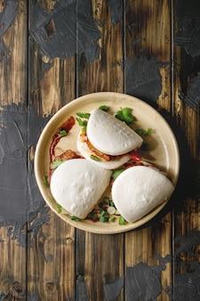 Gua bao buns con carne di maiale