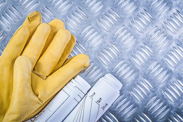 Guanti di sicurezza di cuoio dei disegni di ingegneria sul concetto di piastra metallica scanalato della costruzione