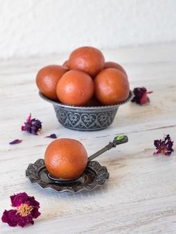 Gulab jamun dolce tradizionale indiano, fine in su
