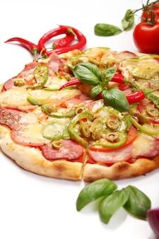 Gustosa pizza con peperoni