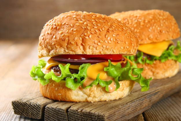 Gustoso hamburger fatto in casa