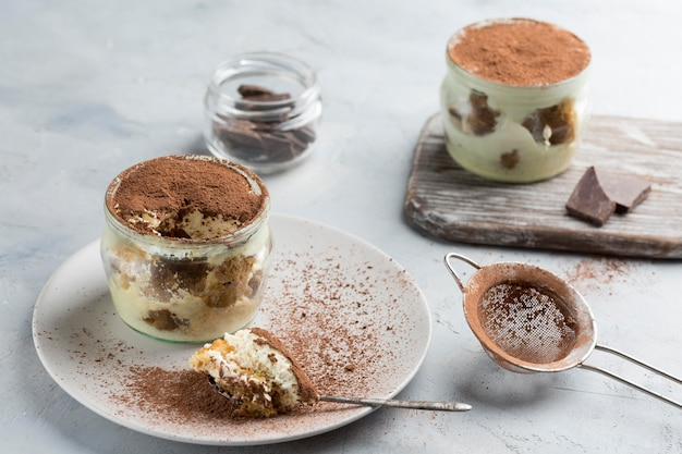 Gustoso tiramisù in vasetto
