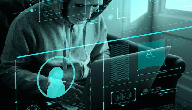 Hacker anonimo che commette un crimine informatico