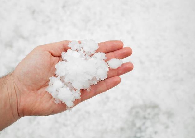 Hailstorm nella mano