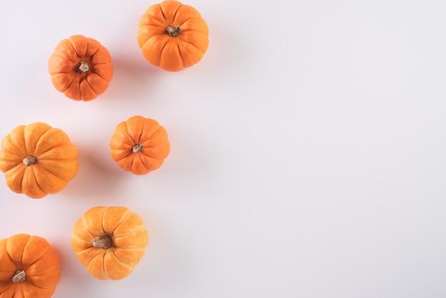 Halloween, ringraziamento e composizione autunnale.