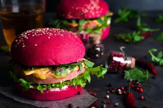 Hamburger alla griglia americano
