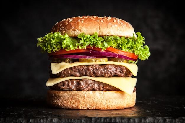 Hamburger alla griglia delizioso