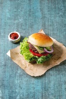 Hamburger fatto in casa con carne di manzo