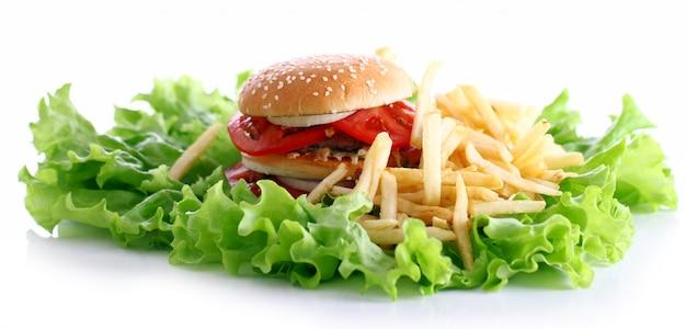 Hamburger grande e gustoso con patatine fritte