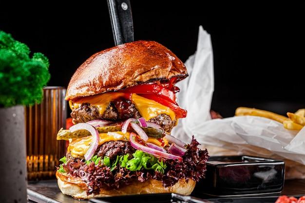 Hamburger reale con doppia cotoletta di carne