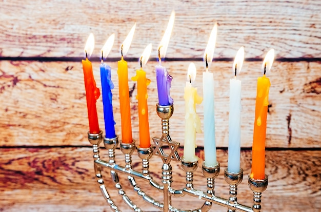 Hanukkah con menorah tradizionale