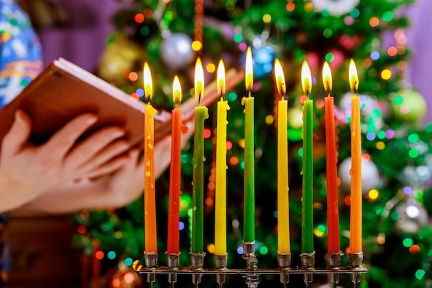 Hanukkah menorah simbolo della festa tradizionale dell'ebraismo