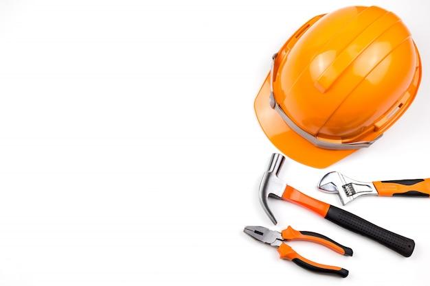 Hat engineer con strumento.