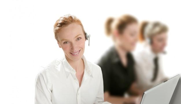 Helpdesk aziendale con bella donna