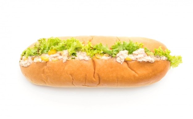 Hot dog di insalata di mais tonno