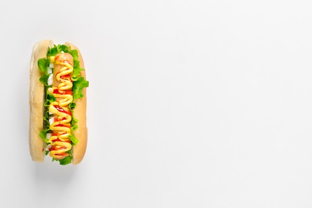 Hot dog piatto con copyspace