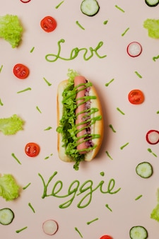 Hot dog vegetariano piatto