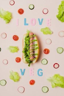 Hot dog vegetariano vista dall'alto