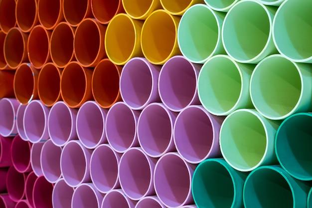 I colori e i motivi dei tubi in pvc per lo sfondo.