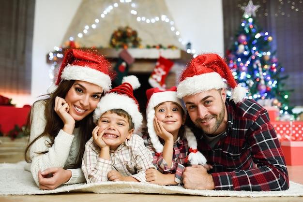 I genitori con i bambini, che sul piano