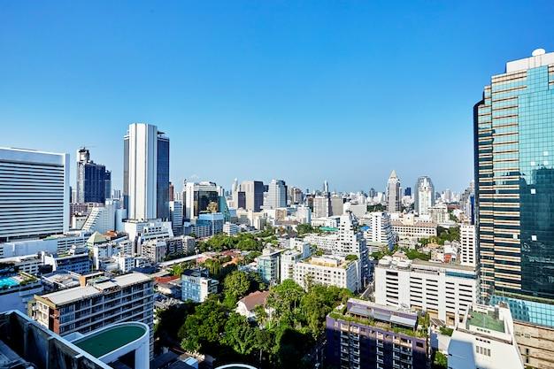 I moderni edifici dei grattacieli della città