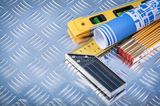 I progetti laminati blu del tester di legno del livello di costruzione provano il quadrato su piastra metallica scanalata