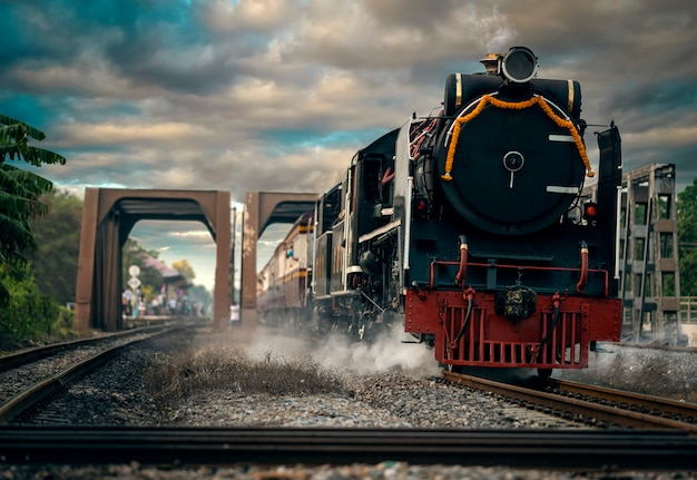 I treni della locomotiva a vapore partono dalla stazione di ayutthaya per promuovere il turismo domestico a phra nakhon si ayutthaya, in tailandia