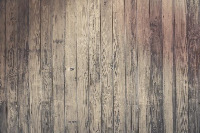I vecchi pannelli di legno strutturano il fondo
