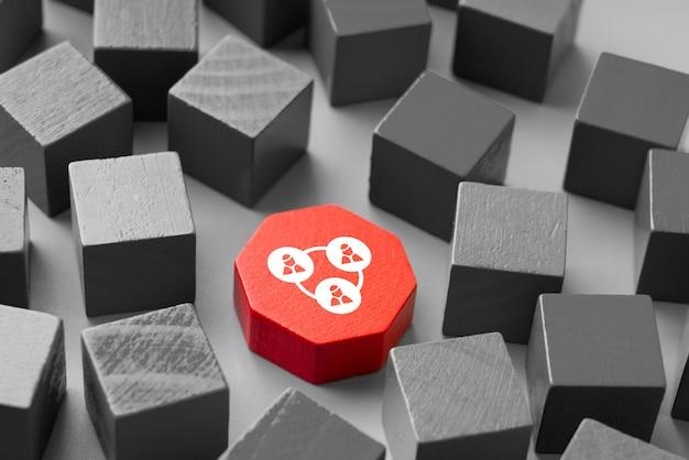 Icona di affari e risorse umane su puzzle colorato