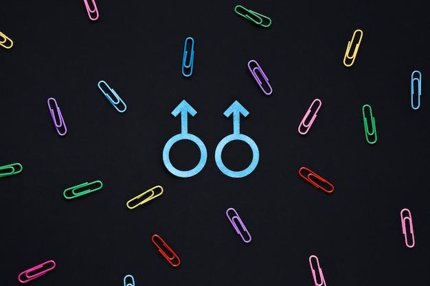 Icona di coppia gay sul tavolo