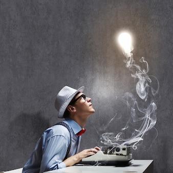 Idea creativa della lampadina