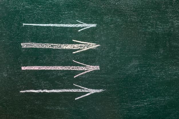 Idea di concetto di affari del disegno sul fondo del bordo nero.
