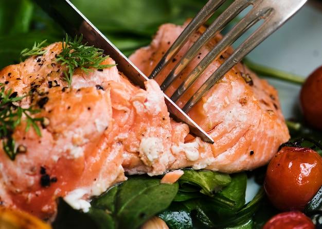 Idea di ricetta di fotografia di cibo al salmone al forno