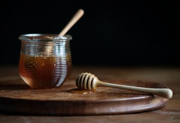 Idea di ricetta di fotografia di cibo di miele biologico