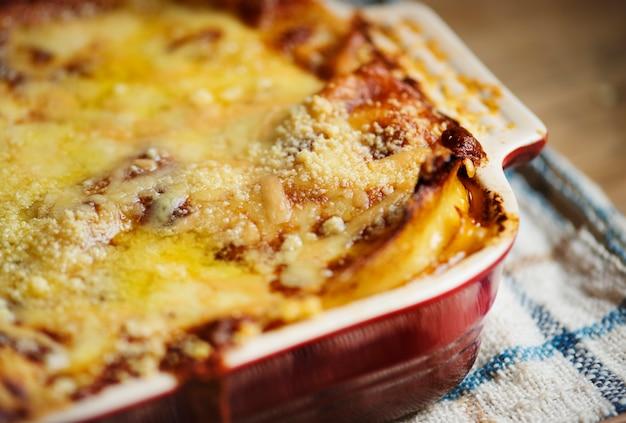 Idea di ricetta di fotografia di cibo lasagna fatta in casa