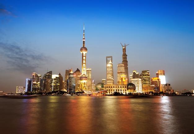 Il bund di shanghai