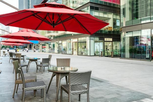 Il caffè aperto in piazza