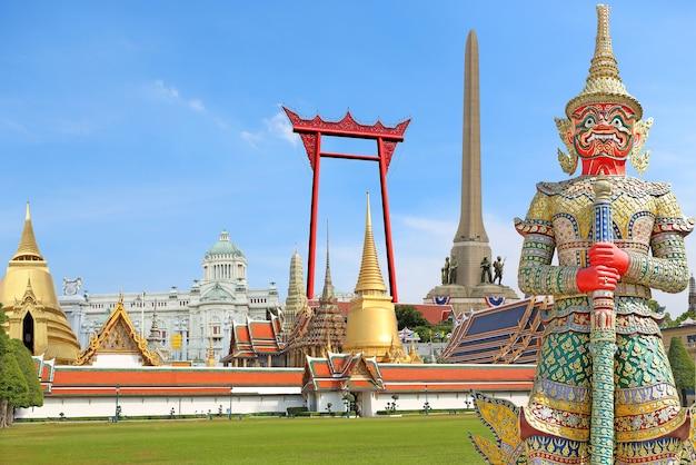 Il concetto per la tailandia viaggia intorno a bangkok