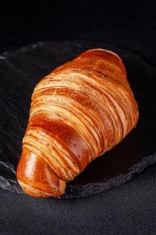 Il croissant francese di pasta sfoglia si trova