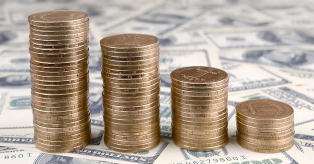 Il denaro ucraino si trova su molte banconote da un dollaro americano
